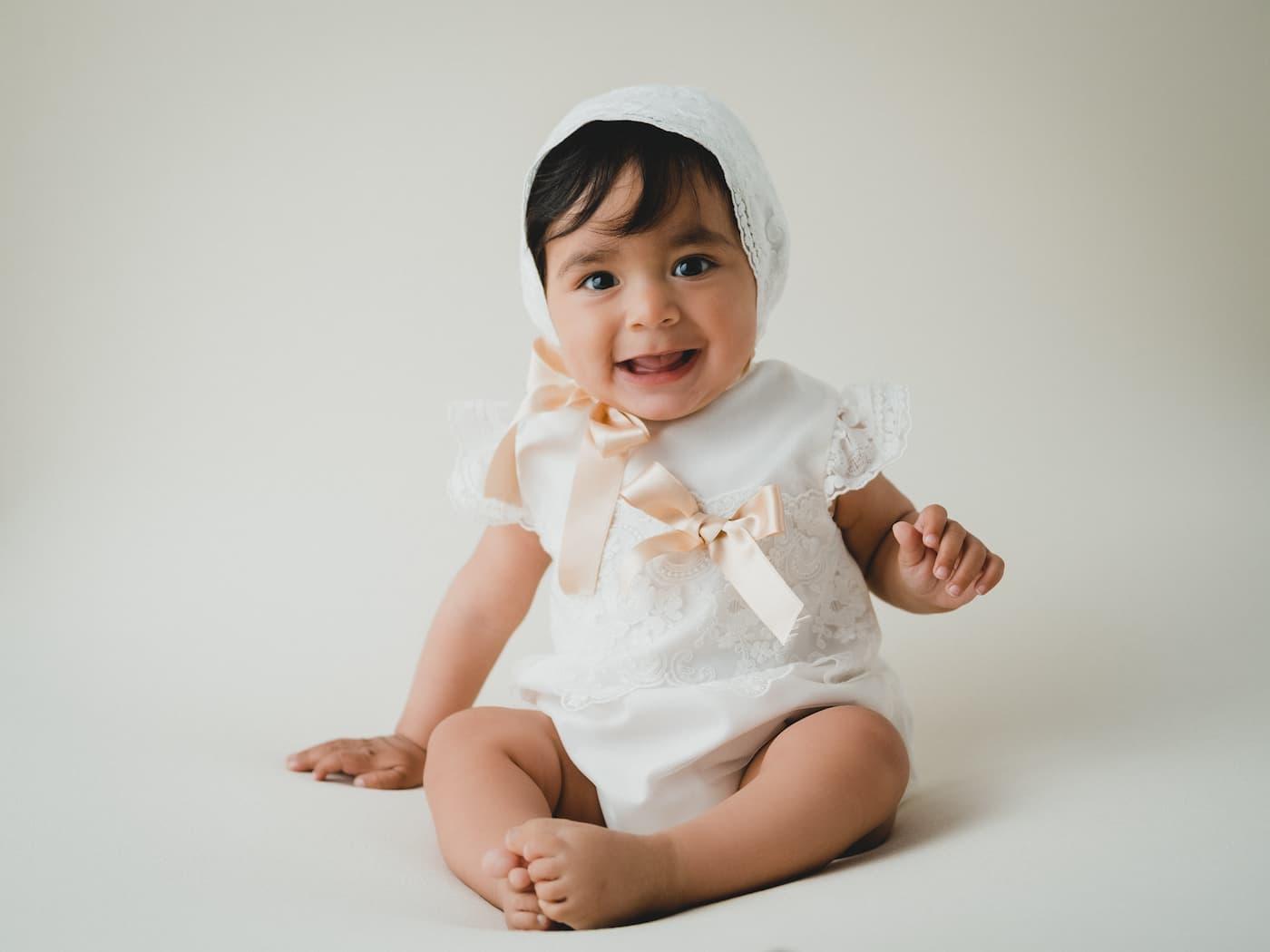 sesion-bautizo-fotografo-ecija-primeras-sonrisas